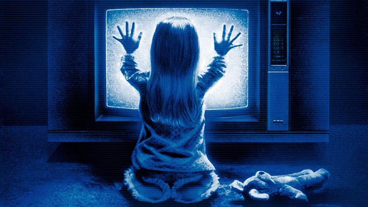 Szukasz filmu na dzisiejszy wieczór? Sprawdź najlepsze horrory dostępne w serwisach streamingowych