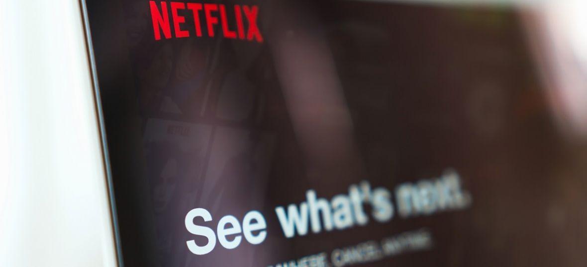 Netflix zabierze widzów w podróż do feudalnej Japonii i w głąb idei feminizmu. Co nowego w serwisie?