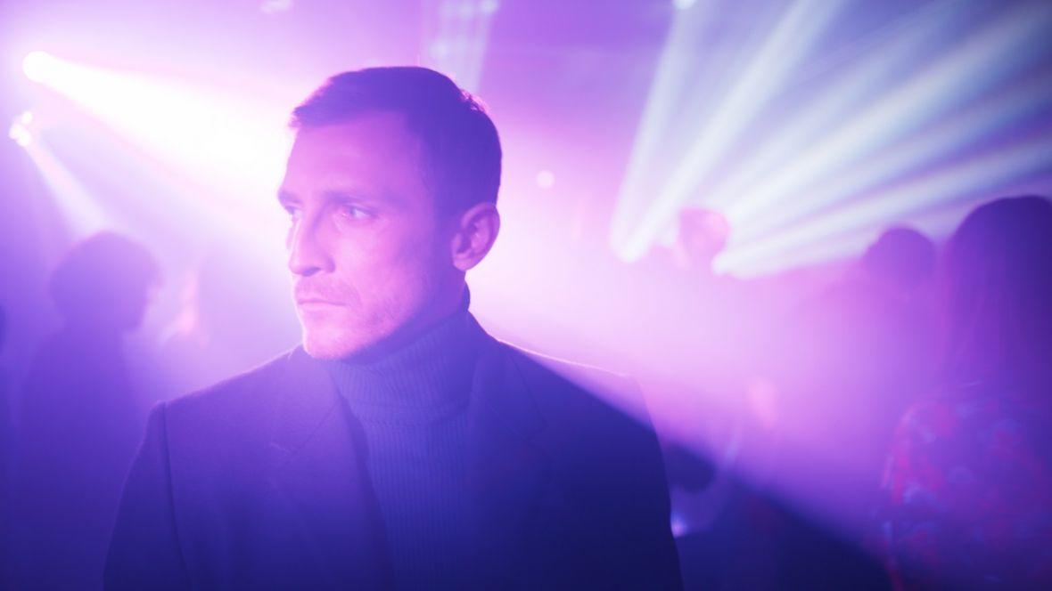 Dawno nie było tak intensywnego, mięsistego, dobrego polskiego serialu jak Ślepnąc od świateł od HBO