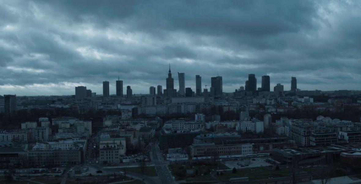 Warszawa bez filtra w Ślepnąc od świateł. Jaka jest stolica, ważna bohaterka serialu?