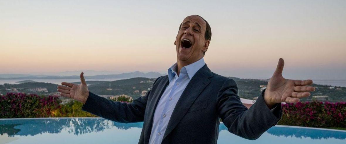 """Wesołe jest życie staruszka? O ile nazywa się Silvio Berlusconi. """"Oni"""" – recenzja filmu Paolo Sorrentino"""