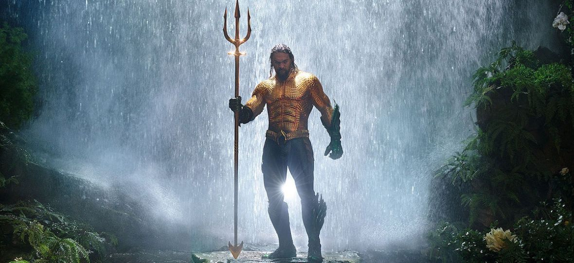 """""""Aquaman"""" wpłynął do kin i zgarnął miliony, bijąc """"Wonder Woman"""". Świat zakochał się w Królu Mórz? Nie do końca"""