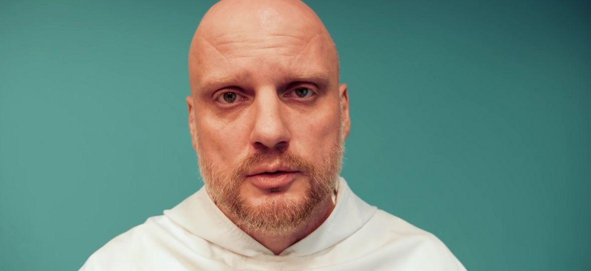 """Właśnie ruszył """"katolicki Netflix"""". Szkoda tylko, że bardziej przypomina śniadaniówkę niż serwis VOD"""