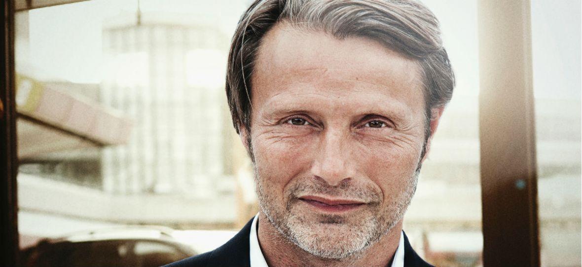 """""""Jeśli 4. sezon Hannibala dostanie zielone światło, to każdy z wielką chęcią powróci na plan"""". Mads Mikkelsen – wywiad"""