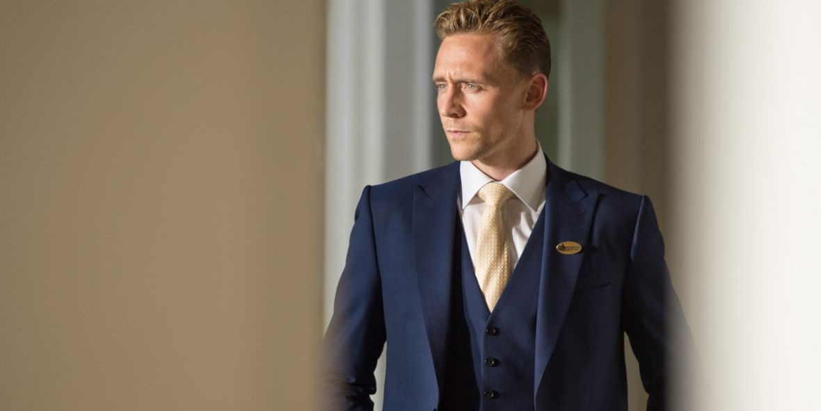 "Tom Hiddleston powróci do ""Nocnego recepcjonisty"". BBC szykuje 2. sezon"