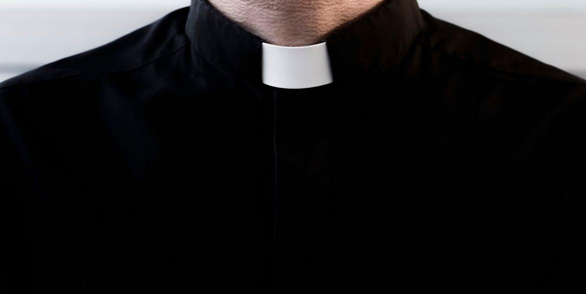 Ludzie chcą debaty o stanie Kościoła katolickiego. Sekielski zebrał prawie pół miliona na swój dokument