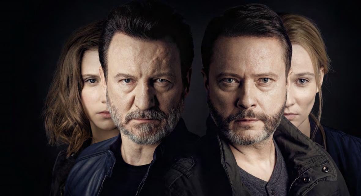 """Spotkanie Blachy i Sikory po latach to najlepsze, co mógł nam dać TVN. Oceniamy serial """"Odwróceni. Ojcowie i córki"""""""