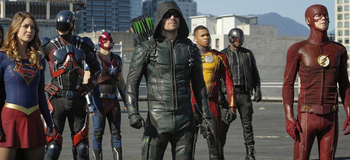"""CW zapowiada nowe sezony 10 seriali. """"Riverdale"""", """"Arrow"""" i """"Black Lightnig"""" doczekają się kontynuacji"""