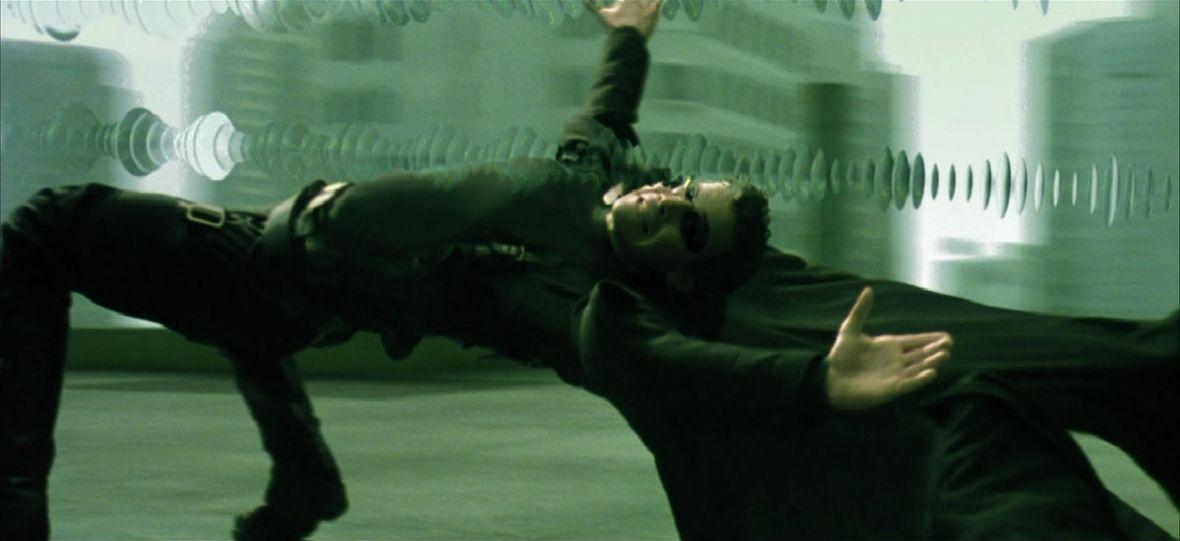 """""""Matrix"""" kończy 20 lat. Co zmienił w kinie rozrywkowym i popkulturze?"""