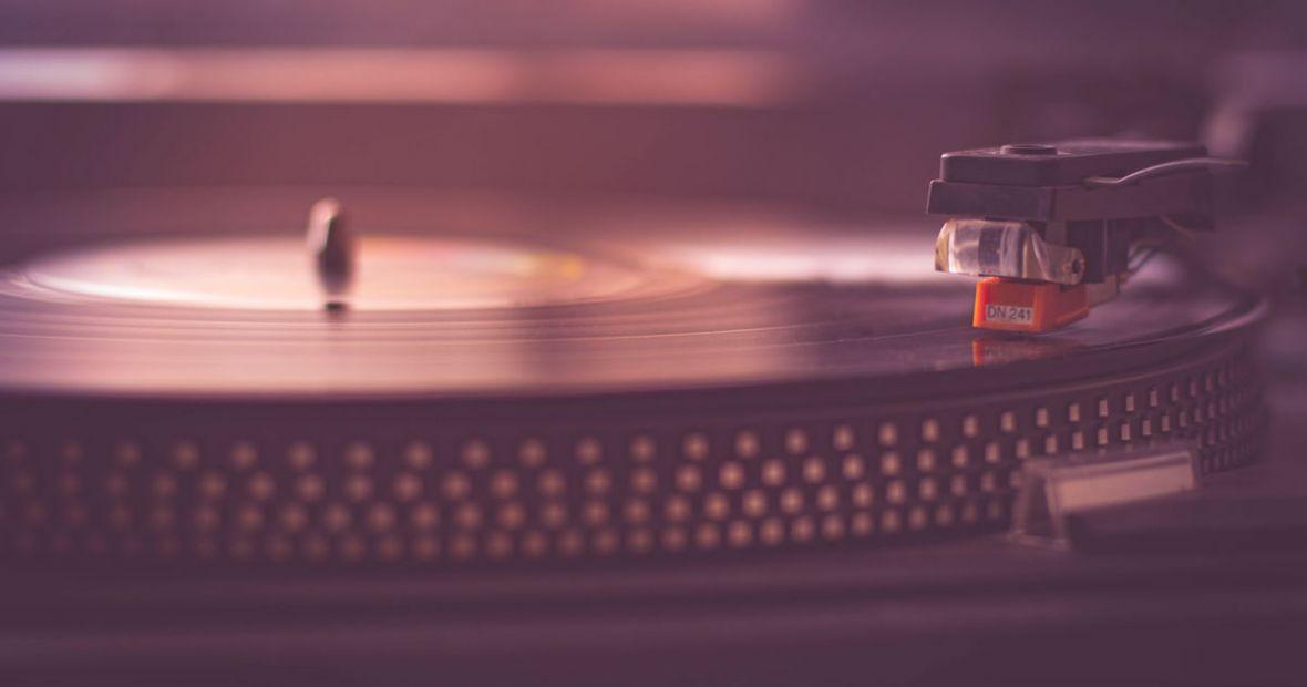 Odpręż się i posłuchaj nowych muzycznych premier. Na te albumy warto zwrócić uwagę