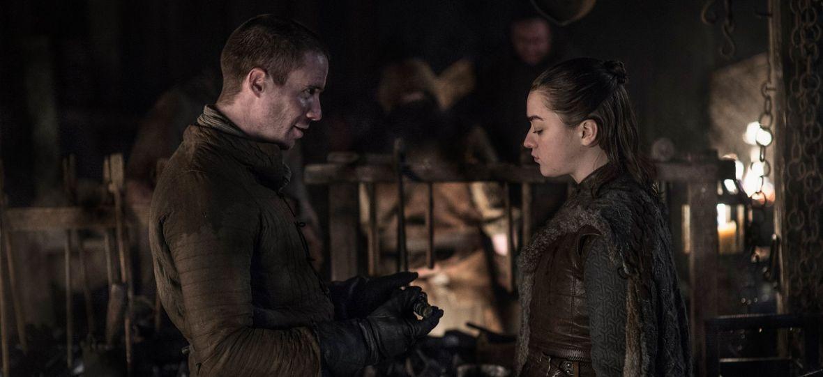"""Arya Stark zaskoczyła fanów """"Gry o tron"""". Widzowie nie spodziewali się takiej sceny z jej udziałem"""