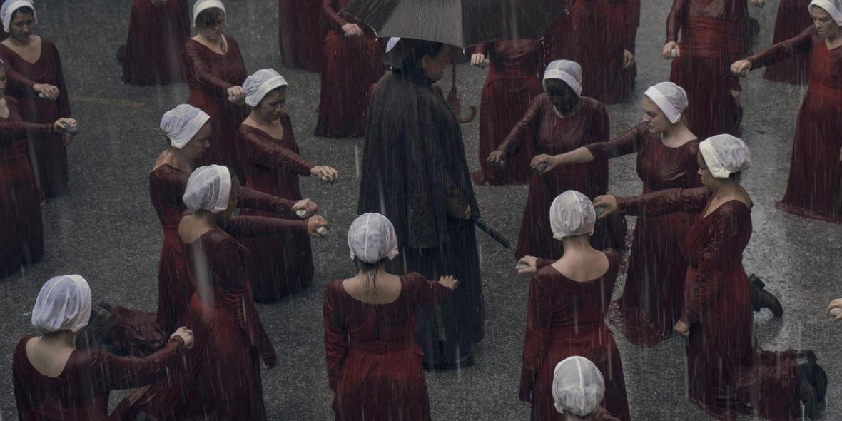 """Totalitarne państwo opanowało HBO GO. 2. sezon """"Opowieści podręcznej"""" od dziś w serwisie"""