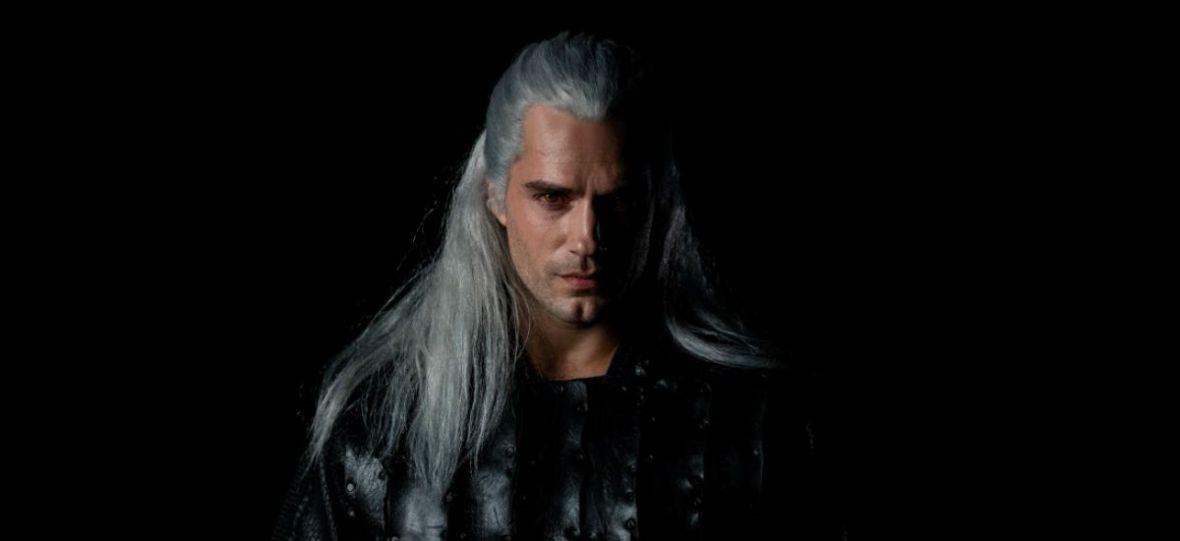 """Polowanie na potwory to niełatwe zajęcie. Henry Cavill pochwalił się blizną Geralta z planu """"Wiedźmina"""""""