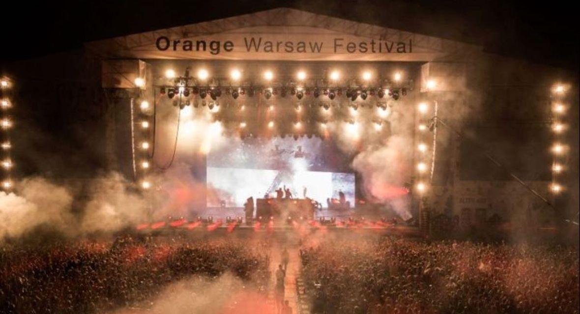 – Halo? – Nie mogę teraz rozmawiać, jestem na Orange Warsaw Festival. – To ty do mnie dzwonisz! Tak, Orange jest już gotowy na taki scenariusz