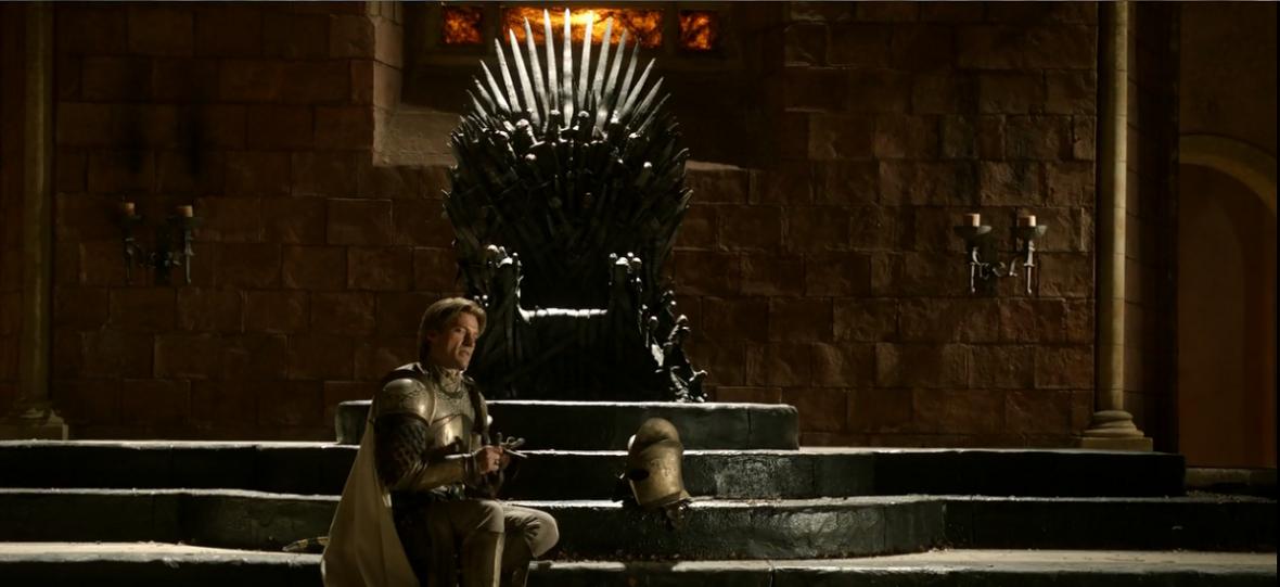 """Jaime Lannister to tylko jeden z wielu Królobójców w """"Grze o tron"""". Kto odebrał życie koronowanym władcom?"""