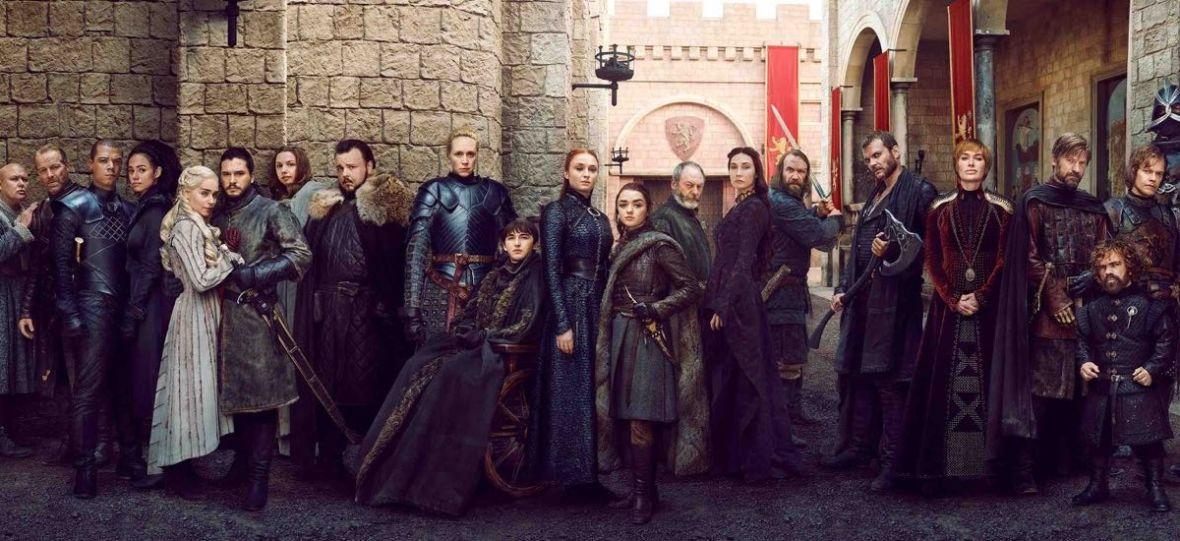 """Policzyliśmy, ile postaci zginęło, a ile przetrwało do końca """"Grę o tron"""". Trup wcale nie padał gęsto"""