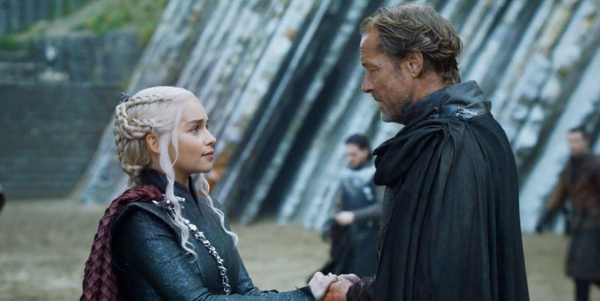 """Co Daenerys wyszeptała do ucha Joraha w ostatnim odcinku """"Gry o tron""""? Iain Glen jest wyjątkowo tajemniczy"""