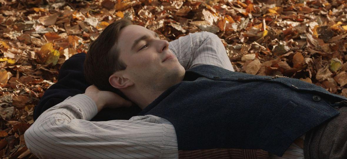 """""""Tolkien"""" to sentymentalna opowieść o młodym człowieku, a nie o słynnym pisarzu. Nie wszystkim się to spodoba"""