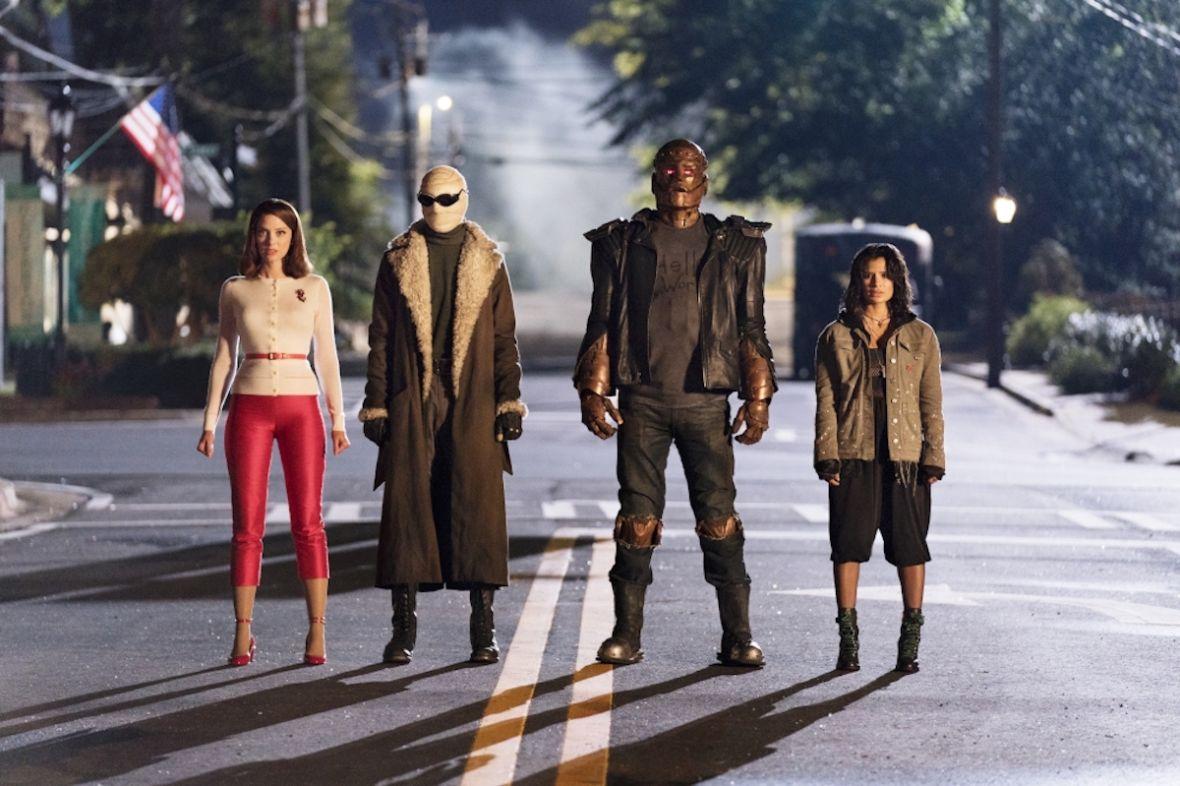 """Uwaga, produkcja tylko dla koneserów. """"Doom Patrol"""" to najbardziej komiksowy serial, jaki widziałem"""