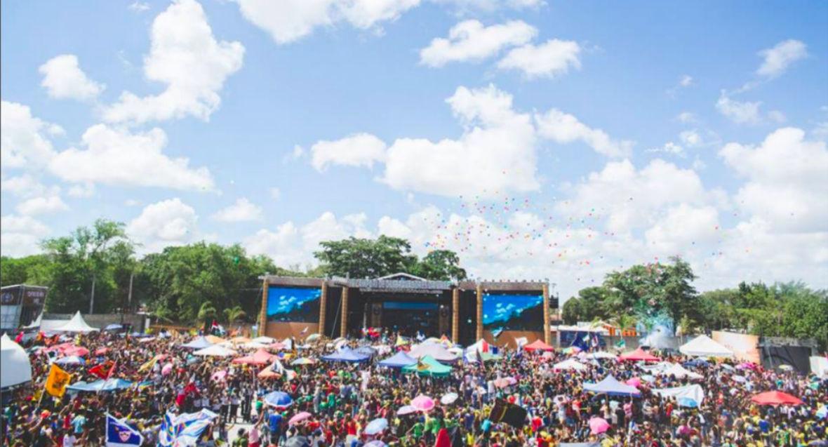 Letni sezon festiwalowy w pełni. Podpowiadamy, na które polskie festiwale muzyczne warto się wybrać