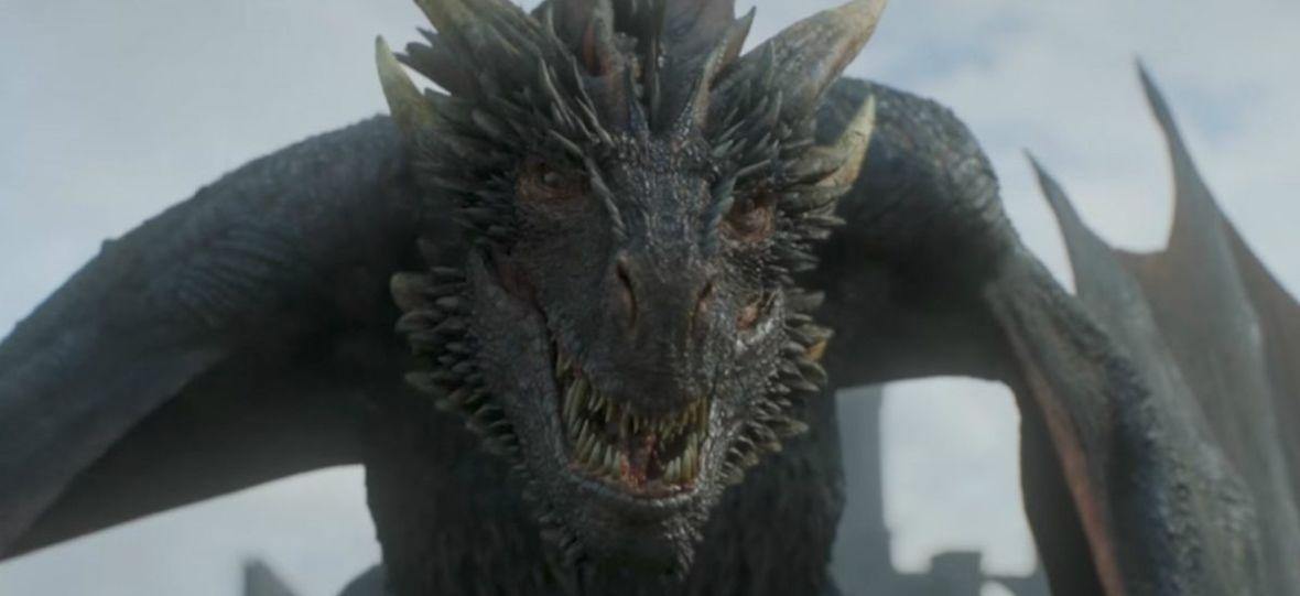 """Drogon odleciał z Dany, bo chciał coś przekąsić? Pojawiła się nowa teoria na temat finału """"Gry o tron"""""""