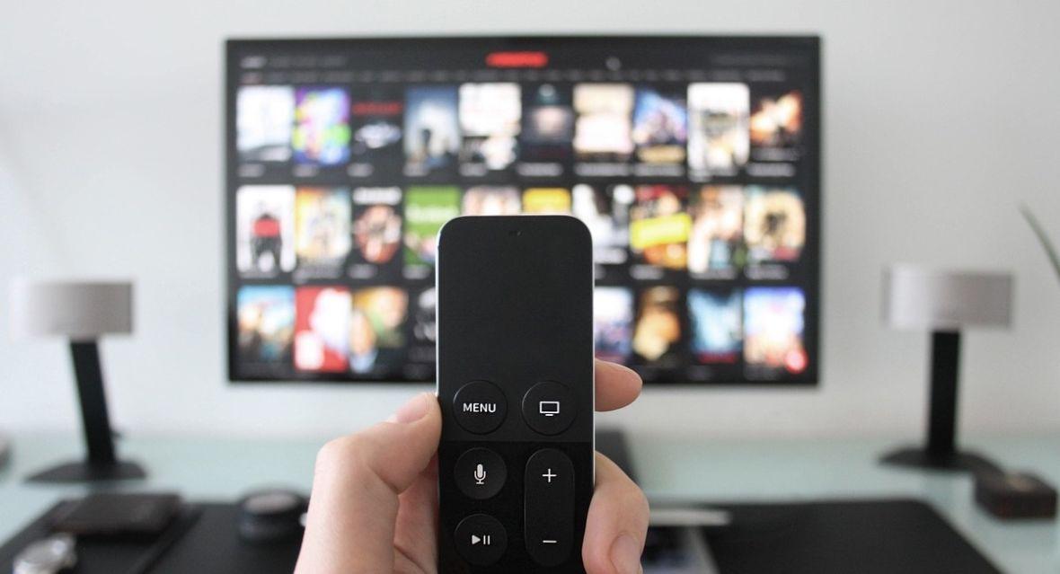 Ponad 15 mln Polaków ogląda seriale w serwisach streamingowych. Tak mówią wyniki badania rynku VOD