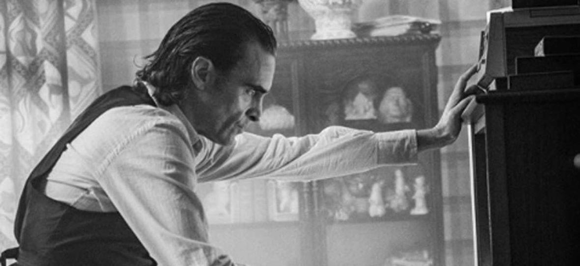 """""""Joker"""" jednym z najbardziej kontrowersyjnych filmów roku? Wyciekły fragmenty scenariusza"""