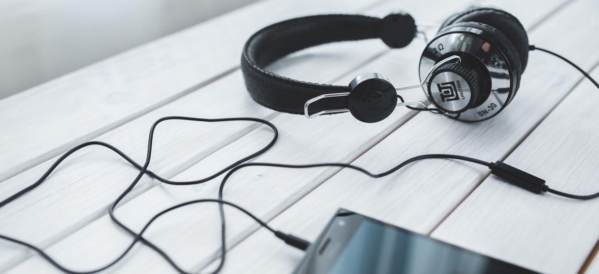 Twojemu mózgowi jest wszystko jedno, czy czytasz książkę, czy słuchasz audiobooka