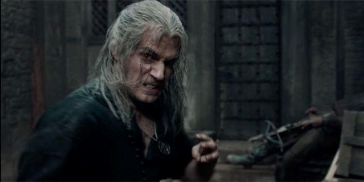 """Henry Cavill jako Geralt. Są nowe zdjęcia z planu """"Wiedźmina"""" od Netfliksa"""