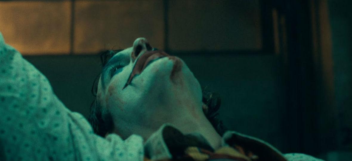 """""""Joker"""" nie ma szans na Oscary, bo członkowie Akademii boją się go obejrzeć? Wielu mówi to otwarcie"""