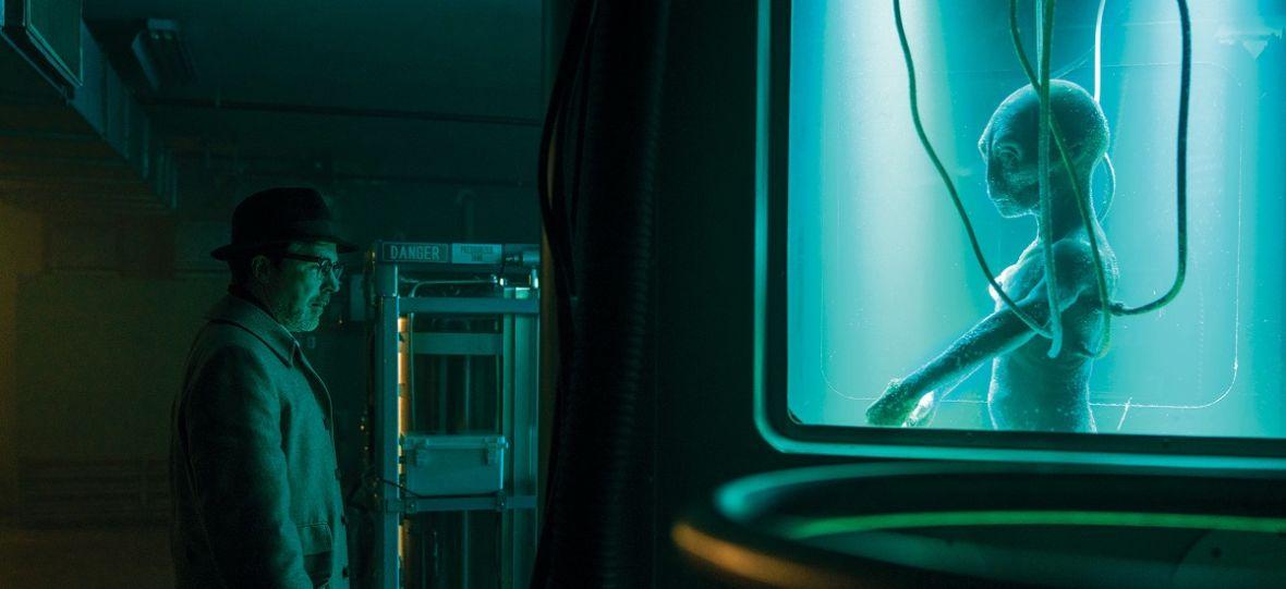 """Littlefinger polujący na UFO. """"Projekt Błękitna Księga"""" z Aidenem Gillenem ma szanse na stanie się hitem"""