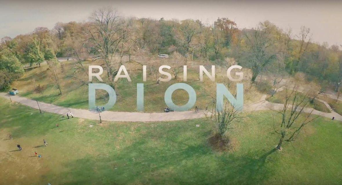 """""""Raising Dion"""" pod płaszczykiem supermocy skrywa serial obyczajowy – recenzja"""