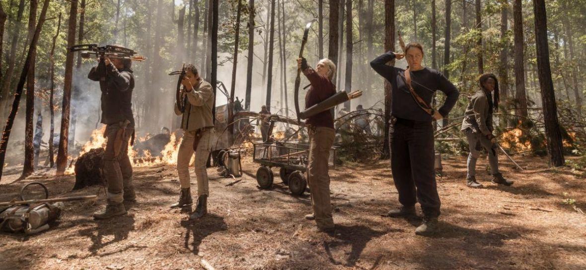 """""""Żywe trupy"""" nie chcą umrzeć. """"The Walking Dead"""" w 10. sezonie nadal budzi emocje"""