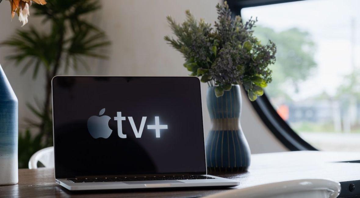 Mało wam seriali na Netfliksie i HBO GO? Od dzisiaj obejrzycie je też na Apple TV+ – sprawdźcie listę nowości
