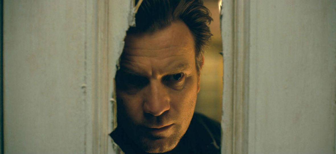 """To, co najlepsze w prozie Stephena Kinga, zostało przelane na ekran. Widzieliśmy film """"Doktor Sen"""""""