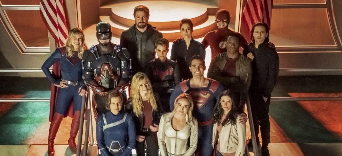 """""""Kryzys"""" w DC trwa, a """"Arrowverse"""" sięga po superbohaterów sprzed lat. To największy crossover w historii telewizji"""