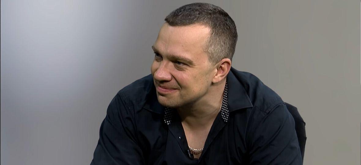 """""""Ja zgnoję ciebie, żebyś ty potem zgnoił panią w sklepie"""" – Łukasz Orbitowski o """"Stelażu"""" i ekranizacjach jego książek"""