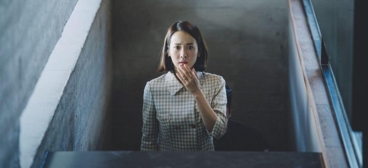 """Bong Joon-ho odkrywa karty dotyczące serialu """"Parasite"""" dla HBO. Wieści o możliwej dacie premiery nie ucieszą fanów"""