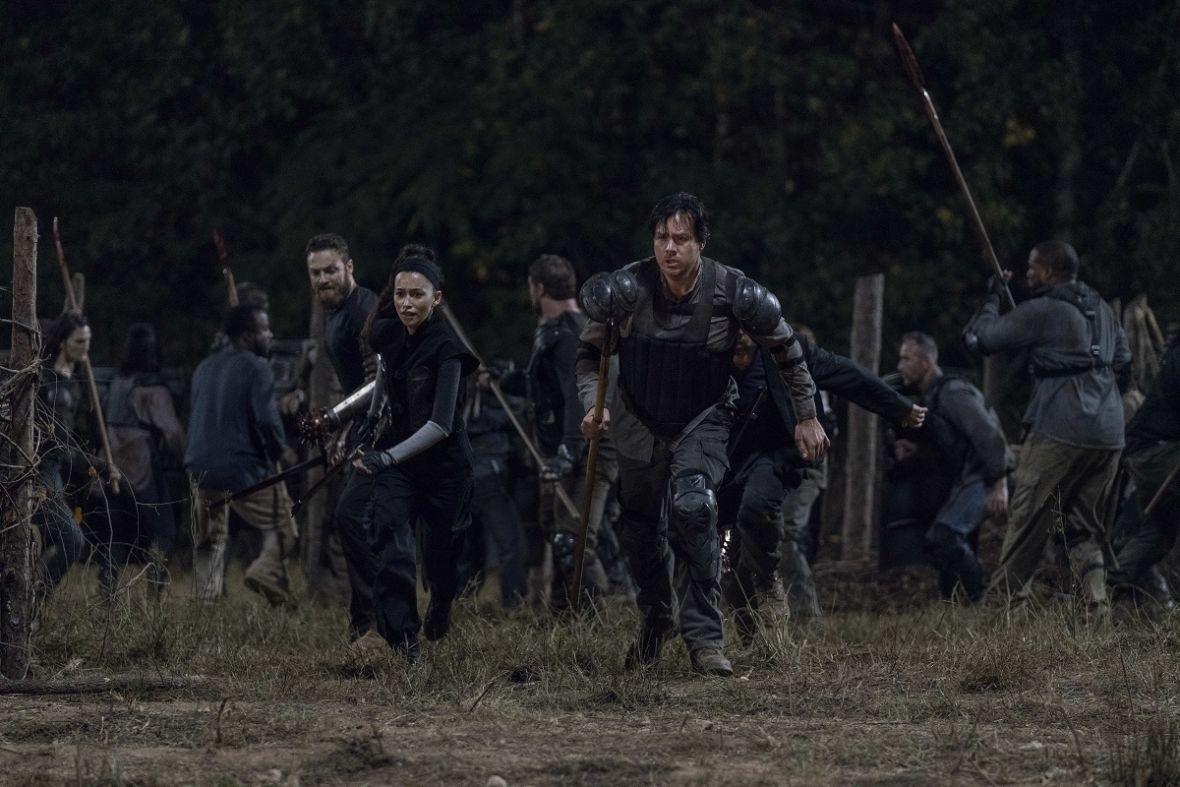 """Nowy odcinek """"The Walking Dead"""" ściągnął dużą część fabuły i scen z 8. sezonu """"Gry o tron"""""""