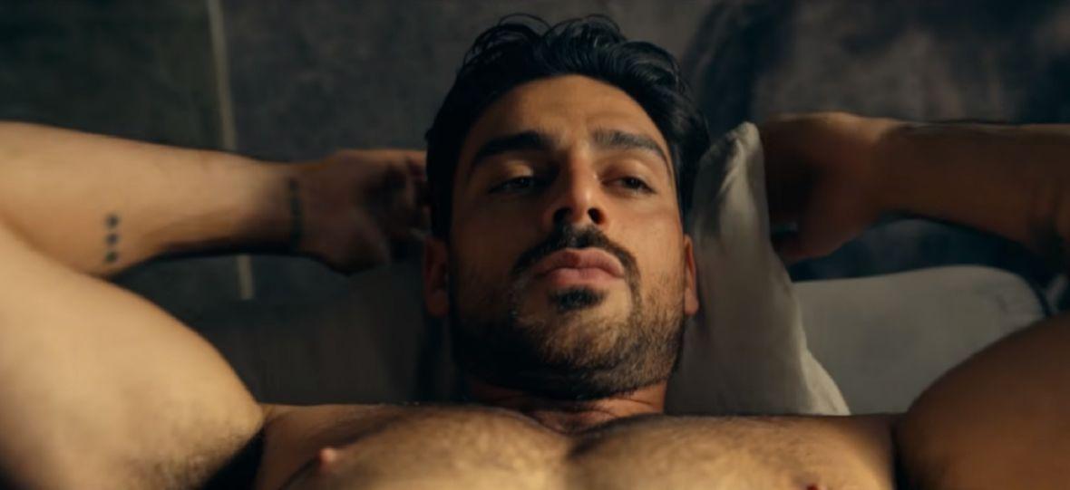 """""""365 dni"""" nie zaspokaja jako kino erotyczne, a społecznie jest szkodliwy, bo utrwala krzywdzące stereotypy"""