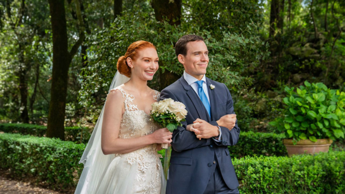 """""""Pokochaj, poślub, powtórz"""" to komedia romantyczna rodem z lat 90. Oceniamy nowość Netfliksa"""