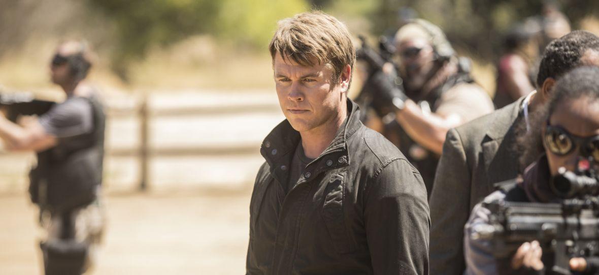 """Czy androidy są bardziej ludzkie od ludzi? Luke Hemsworth opowiada o 3. sezonie """"Westworld"""""""