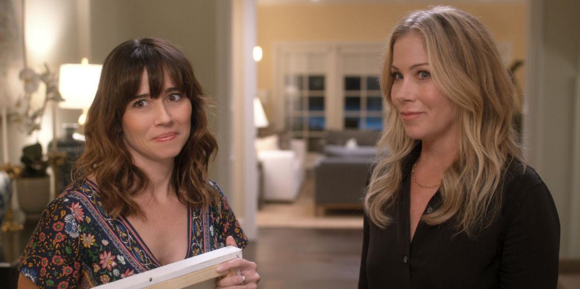 """Jen i Judy wracają w 2. sezonie, żeby pokazać nam, która z nich ma gorzej. Oceniamy """"Już nie żyjesz"""" od Netfliksa"""