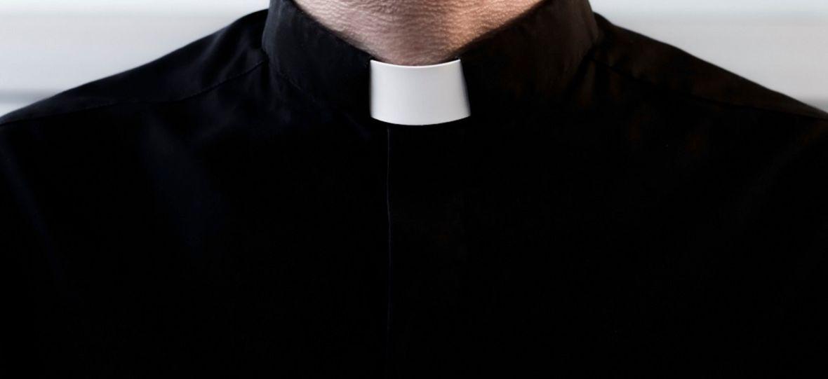 """Polski Kościół reaguje na nowy film braci Sekielskich. Na czym ma polegać inicjatywa """"Zranieni w Kościele""""?"""