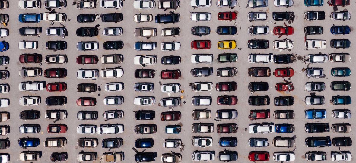 """Nietypowa """"Wakacyjna trasa Dwójki"""". Publiczność będzie siedzieć w autach zaparkowanych pod sceną"""