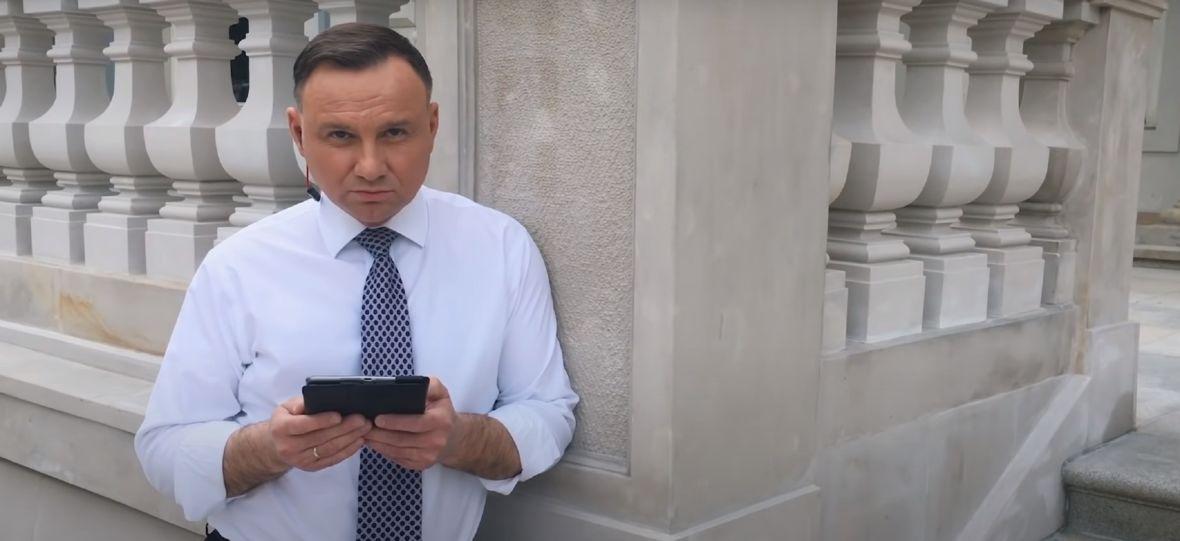 """Andrzej Duda jest prawdziwą odpowiedzią na zagadkę """"Dark"""". Memy łączą prezydenta również z """"Gwiezdnymi wojnami"""""""