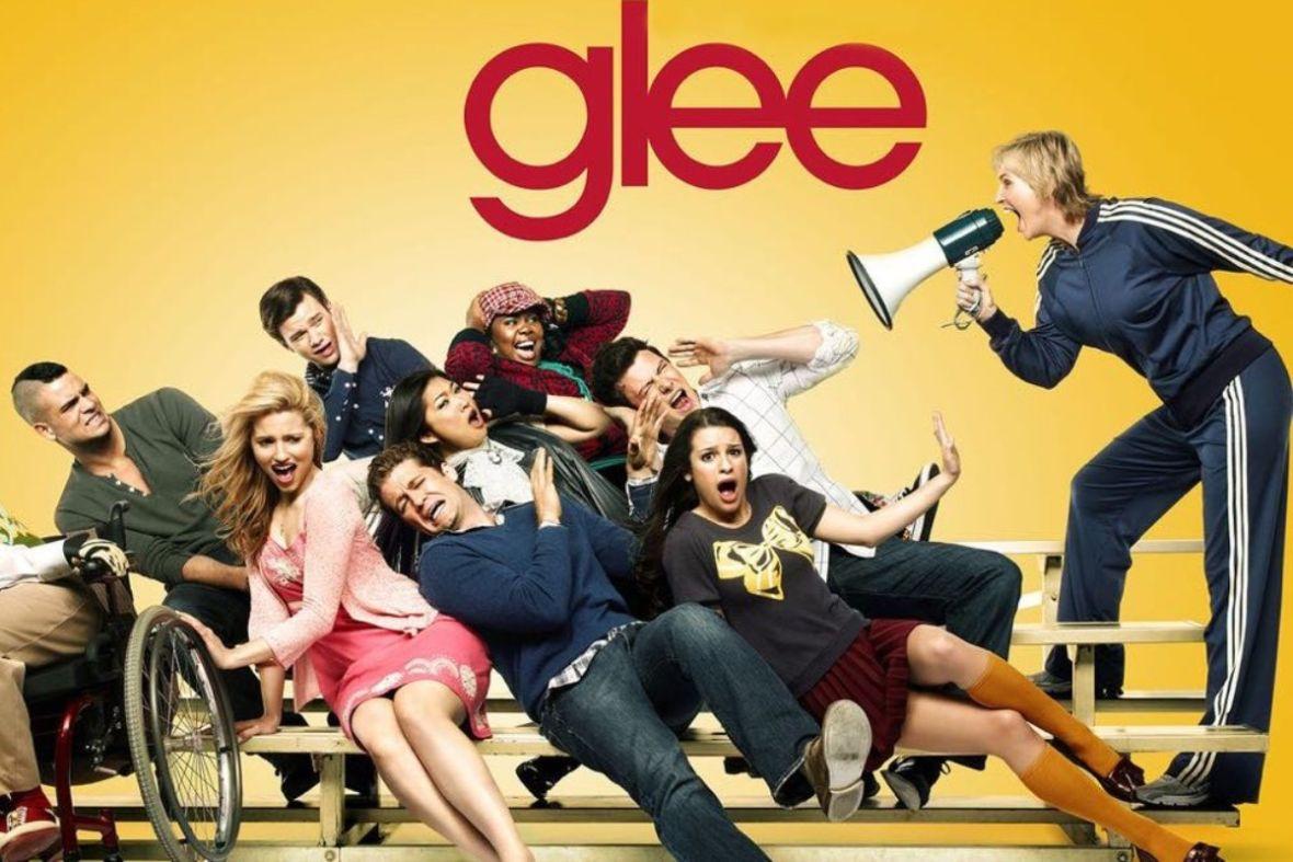 """Gwiazda """"Glee"""" wyraziła solidarność Afroamerykanami, chwilę później współpracownicy zarzucili jej mobbing"""