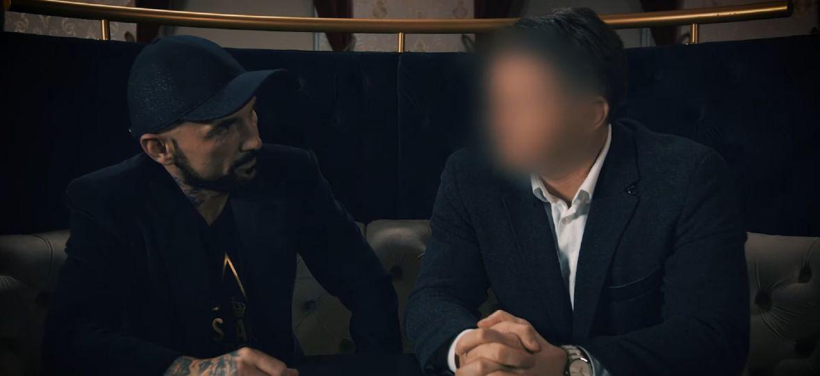 """Patryk Vega wypuścił 2. odcinek dokumentu """"Afera podkarpacka"""". Dawno nie widziałem czegoś tak zabawnego"""