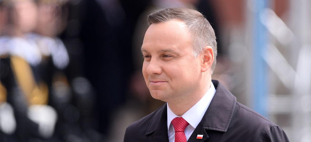 Telewizja wygrywa wybory? Andrzej Duda wydał dwa razy więcej na reklamy w TV niż jego konkurent