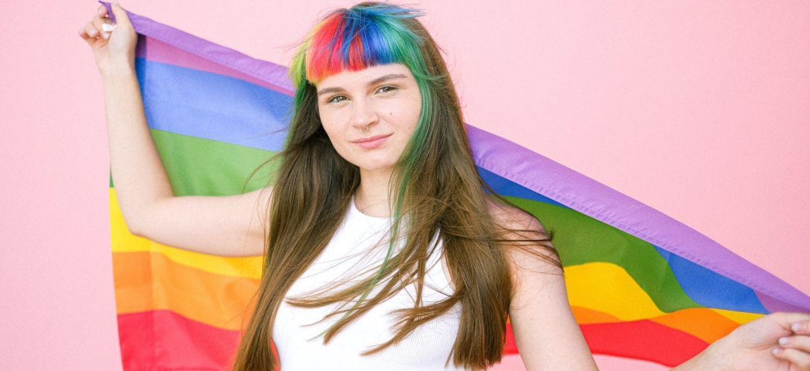 Tęczowe logo na Miesiąc Dumy to realne wsparcie dla LGBT, czy tylko marketingowa wydmuszka?